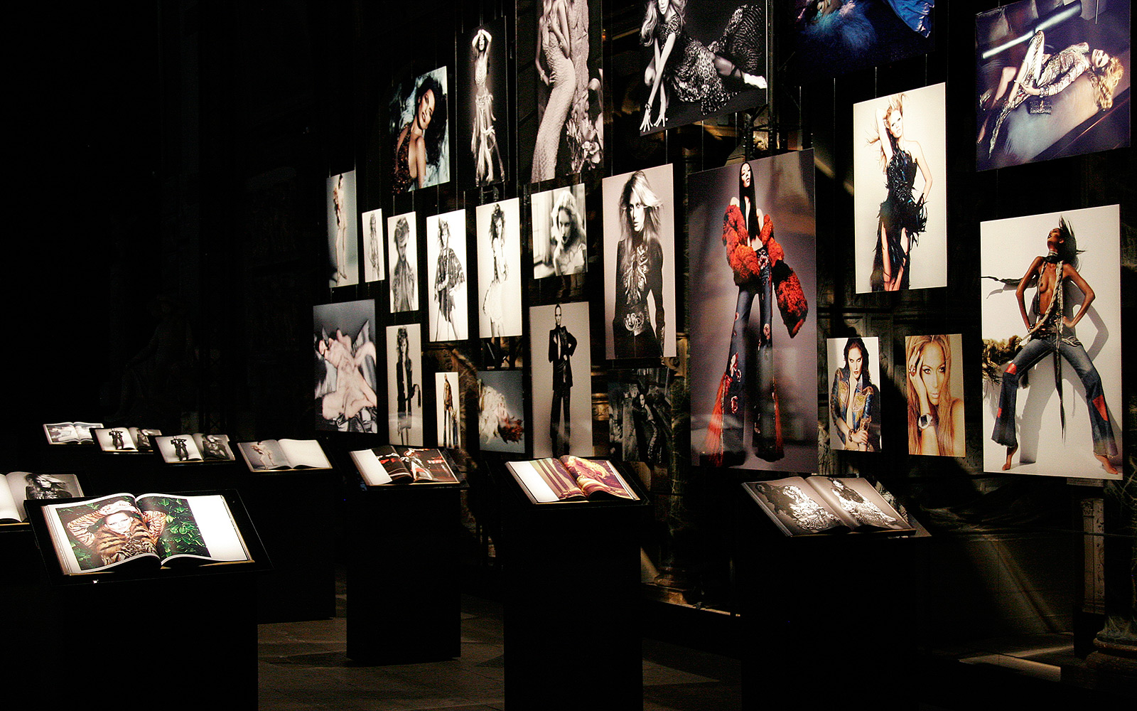 Cavalli 40th anniversary Set design